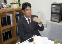 中央区 司法書士・行政書士 水時司法書士行政書士事務所の水時功二先生を取材!! 写真