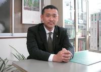 横浜市泉区 行政書士日野秀明事務所の日野先生を取材!!  写真