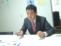 江東区の社会保険労務士、ヒューマンリレーションの久保田幸介先生を取材!! 写真